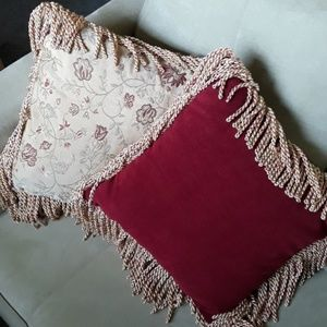 Reversible Throw Pillows With Tassels
